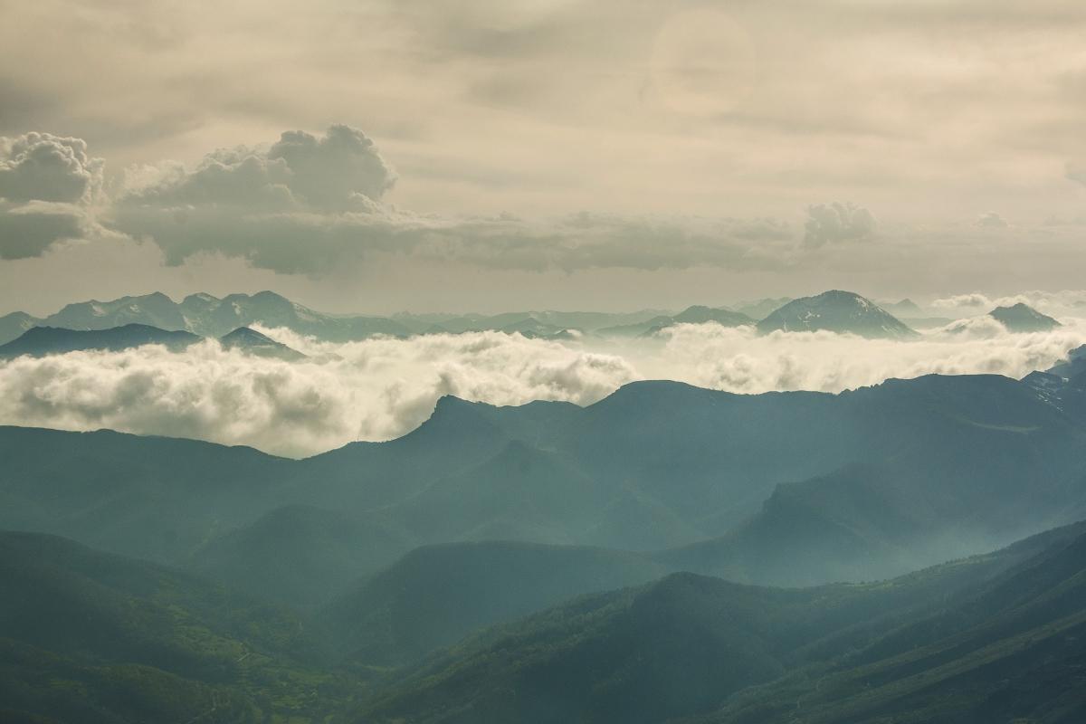 Valle de Valdeón, nubes sobre Mampodre