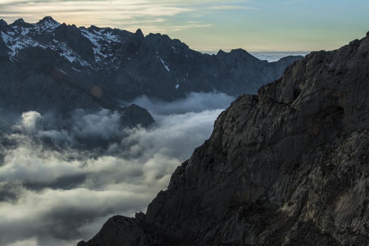 Las nubes sobre Caín y el Valle de Valdeón